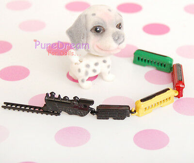 1:12 Dollhouse Miniature Kid's Toy Colored Metal Train Track Set And 1 Pet Dog