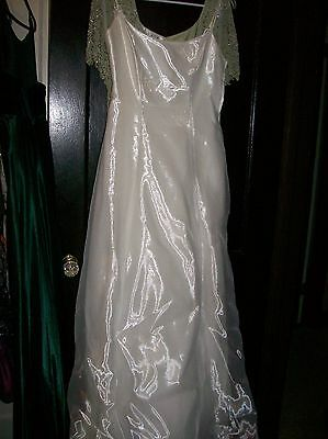 Vintage Steppin Out White Full Butterfly Wedding Dress Size 7/8