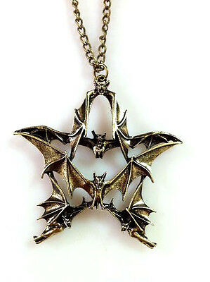 Bats Flying Star Pendant Pentagram Gothic Mythic Magical Vampire Amulet Bronze