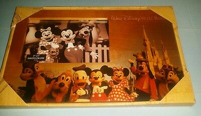 NEW Disney Parks WALT DISNEY WORLD Character Art Wooden 4x6 Photo Picture Frame