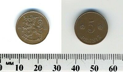 Finland 1920 - 5 Pennia Copper Coin - Rampant lion left with sword