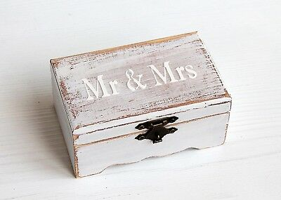 Mr & Mrs, Rustic jewelry box, Ring Bearer Box, wedding ring box, Burlap and Lace