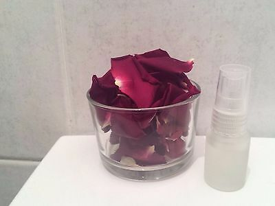 Fragrant rose petals with  a high quality rose perfume + 3 candles as a gift
