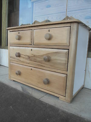 Small Edwardian Antique Hardwood Chest Of Drawers / Antique Bedroom Chest Drawer