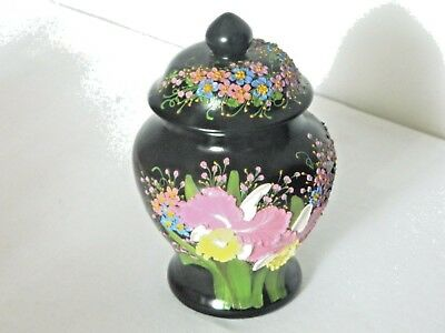 Beautifully Ginger Jar H/ Painted Embossed Flowers Over Ginger Jar