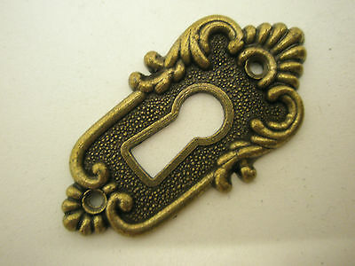 6 x ANTIQUE STYLE - ESCUTCHEONS - KEY HOLE ES0840ANT