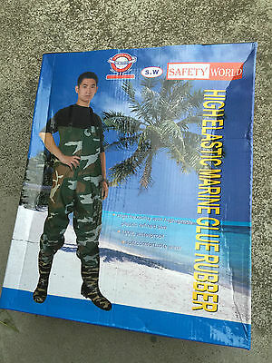 Safety World Rubber Waders CAMO Flounder Duck Hunting Boating Waders Quiet