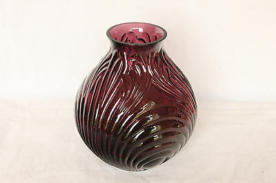 Perfect Cambridge Glass Caprice Amethyst # 242 Vase Elegant Middle Size