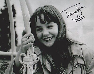 Tracy Hyde Signed Photo - MELODY - Starring Mark Lester & Jack Wild - RARE G516