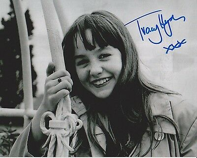 Tracy Hyde Signed Photo - MELODY - Starring Mark Lester & Jack Wild - RARE G517