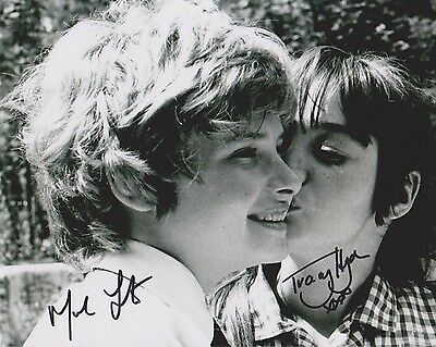 Mark Lester & Tracy Hyde Signed Photo - MELODY - Starring Jack Wild - RARE G526