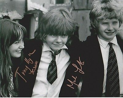 Mark Lester & Tracy Hyde Signed Photo - MELODY - Starring Jack Wild - RARE G533