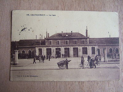 Cpa Chateauroux (36 Indre) La Gare. Animee, Voiture A Bras, Cycliste, Attelage