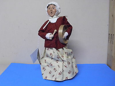 Byers Choice Williamsburg Doll Figure Lady Holding Basket + Branches 2002