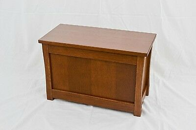 "Slipper chest. Mission style NEW! Red oak. 23"". TE-823"