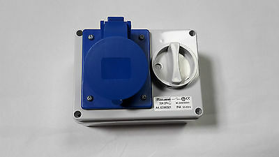 Interlocked Rotary Isolation Switch CEE Socket BLUE 220V-250V 16A,32A 3 pin IP44
