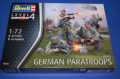 Revell 02532 - German Paratroops WWII  scala 1/72
