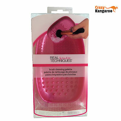 Real Techniques Accessories Brush Cleansing Palette 1471 - Gifts for her