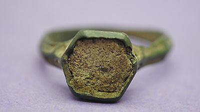 Late Medieval bronze finger ring with glass paste insert 14th-15th century AD • CAD $32.80