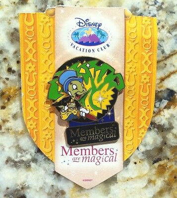 New on card LE 5000 RETIRED DISNEY PIN - MEMBERS ARE MAGICAL- VACATION CLUB PIN