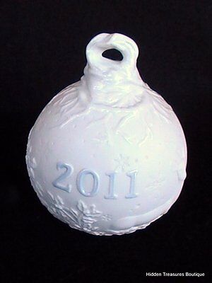 Lladro Embossed Annual Dated 2011 Christmas Ball Ornament Reindeer