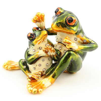 Mommy Frog Hugs Baby Frog Jewelry Trinket Box Decoration Insects Cute Gift 02032