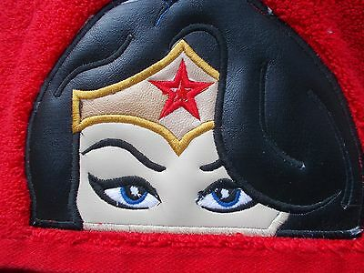 Wonder Woman Bath Towel with matching Logo hand-towel. Great for Kids or Adults