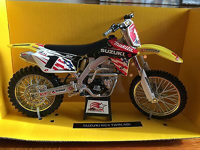 NewRay 1:12 Scale Die-Cast SUZUKI RC4 TWIN AIR Collection Motorcycle Model Gift