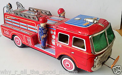 Vintage YONEZAWA Tin Litho FIRE ENGINE TRUCK Friction Drive - Made In Japan