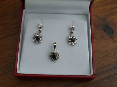 Gorgeous Delicate Hallmarked 9ct, C Z & Sapphire Cluster Pendant & Earrings Set