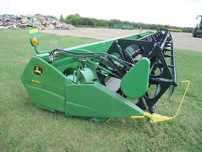 2005 John Deere 635F Headers