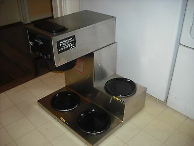 Bloomfield 8571 Coffee Maker Machine / Brewer with 3 Warmers