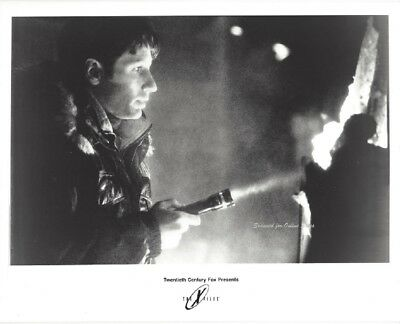 X Files David Duchovny Searches for Answers 8x10 Photo
