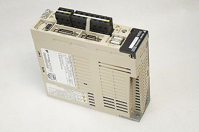 Yaskawa Servo Drive Sgds-01A15A 100W Power On Tested Free Ship