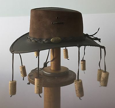 Leather hat with  flexible  brim Brown With 9 corks Brown by Jacaru no more flys