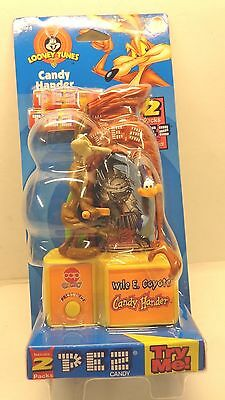 New Looney Tunes Wile E Coyote Road Runner PEZ Dispenser Candy Hander