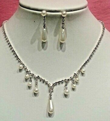 Bridal necklace and earrings set in silver colour with pearl and rhinestones