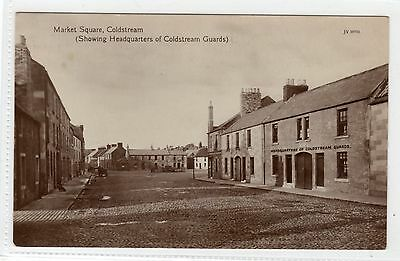 MARKET SQUARE & GUARDS HQ, COLDSTREAM: Berwickshire postcard (C953).
