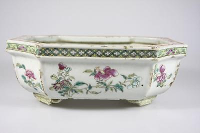 ANTIQUE CHINESE LATE 18th Century FAMILLE ROSE PLANTER