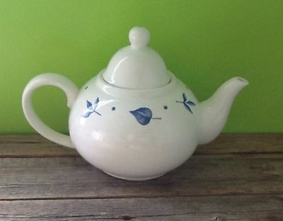 Retroneu Everyday China Claudine 1999 Fine China No. 4255 Teapot