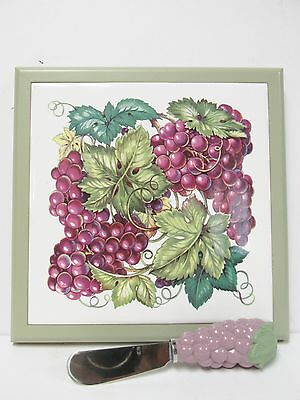 Cluster of Grapes - Cutting Board and Spreader in Original Box