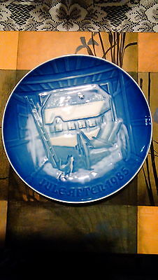 1985 Bing and Grondahl B&G Blue Plate Christmas Eve at the Farmhouse signed