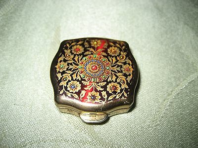 Stratton Powder Compact with Flowers and Gold Tone