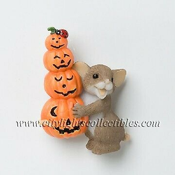 CHARMING TAILS 4024341 Stacked Pumpkin Lapel Pin