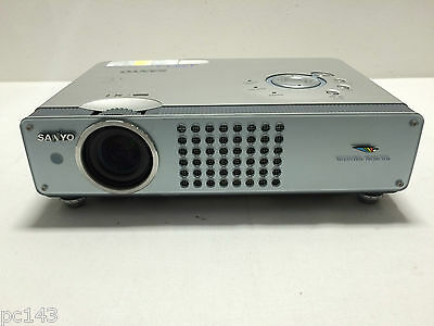 Sanyo Plc-Se20A Lcd Projector Used Unknown Lamp Hours Multimedia (Ref:562)