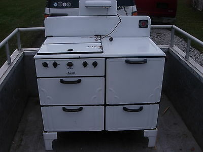 Vintage Magic Chef Oven - Used