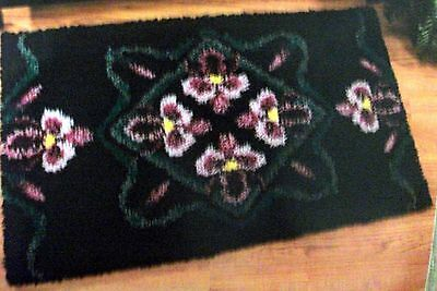 "Craftways Latch Hook Rug  Kit  "" Orchidaceae"""