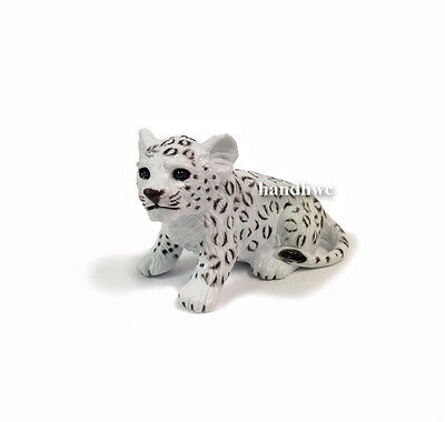 AAA 96523SIT Light Snow Leopard Cub Sitting Model Toy Figurine Replica - NIP