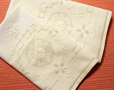 VTG Hand Embroidered White Table runners set of 2