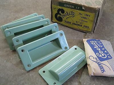 1 No Original 1930's Art Deco Everite Bakelite Green Flush Drawer Pulls CP24